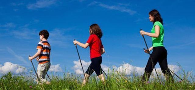 Teren, trasy – nordic walking w praktyce