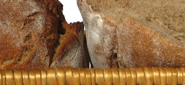 "How to tell apart ""dark"" and ""wholemeal"" bread ?"