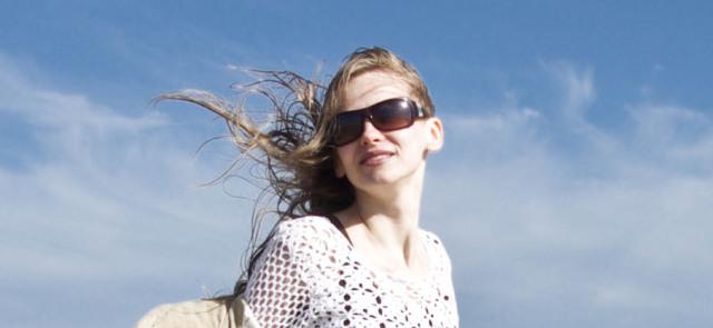 Słoneczna pogoda - jak dbać o włosy i skórę?