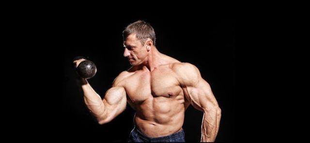 Chciałbyś zwiększyć poziom testosteronu? Ćwicz!