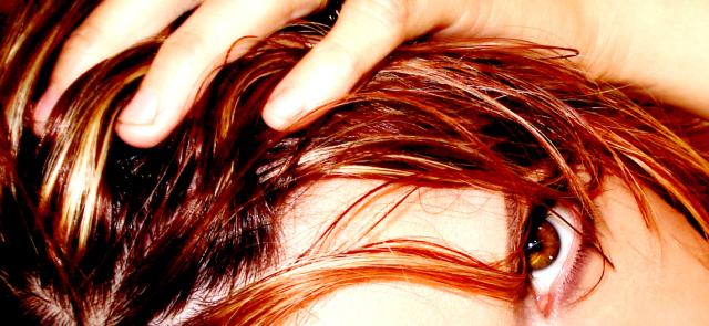 Pływasz? Zobacz, jak pielęgnować włosy!
