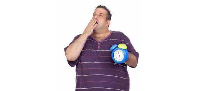 Dlaczego po posiłku bogatym w cukry stajemy się senni?