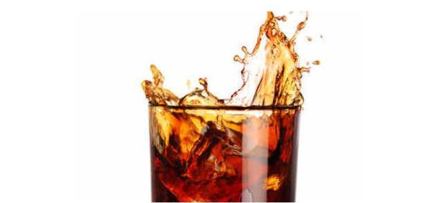 """Czy jest coś złego jest w bezcukrowych napojach typu """"cola""""?"""