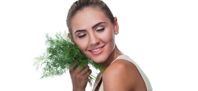 Pokarmy, które poprawią kondycję Twoich włosów