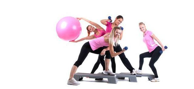 Lepiej trenować w grupie czy samemu?