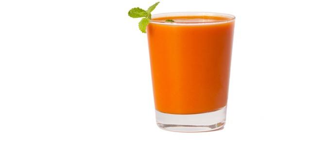 Owocowy smoothie  – sposób na smaczny i zdrowy deser!