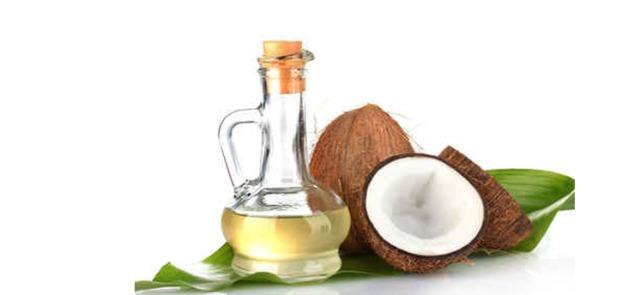Pięć powodów, dla których warto włączyć do diety olej kokosowy