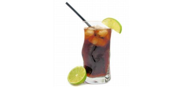 Dużo chemii, zero cukru - kilka słów o bezkalorycznych napojach typu cola