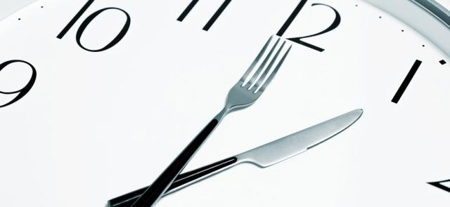 Intermittent fasting i budowa masy - w jaki sposób post sprzyja rozwojowi muskulatury?