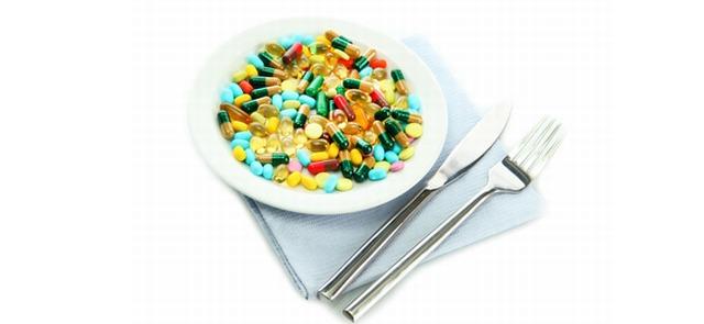 Multiwitamina zamiast zdrowej diety - niepokojący trend wśród młodzieży