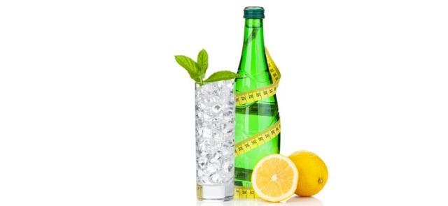Co pić latem by ugasić pragnienie i nawodnić organizm?