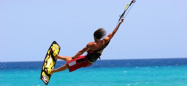 Surfing, windsurfing, kitesurfing'