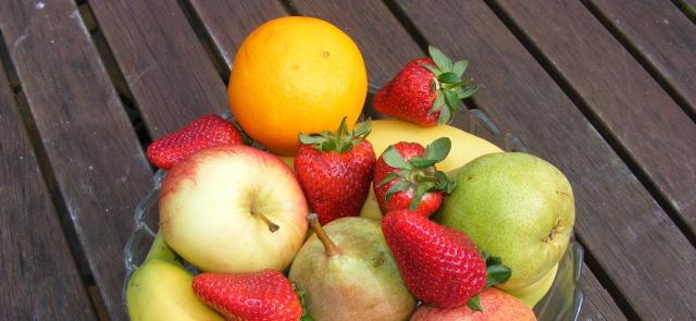 """Naturalne """"blokery estrogenu"""" zawarte w owocach i warzywach"""