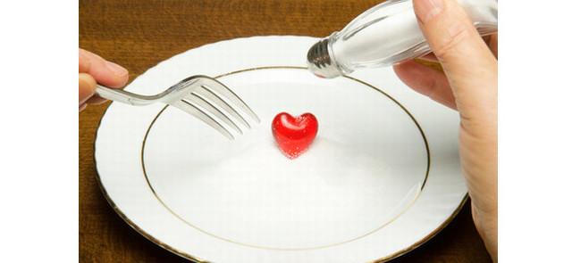 Zmniejszenie spożycia soli obniża ryzyko wystąpienia udaru i zawału