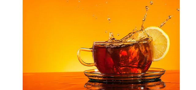 Związki zawarte w herbacie zmniejszają negatywny wpływ nadwyżki kalorycznej na organizm
