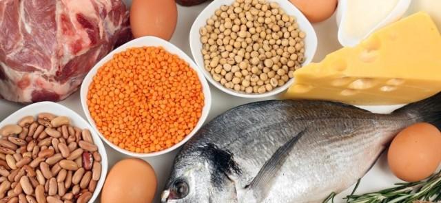 Kontroluj apetyt i  jedz białko