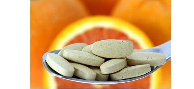 Wysokie dawki kwasu askorbinowego obniżają  ciśnienie