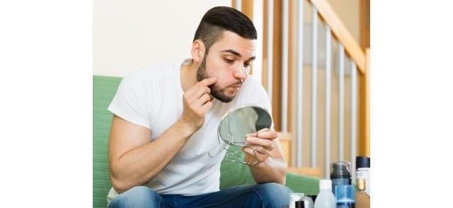 Witamina B12 a trądzik – interesująca zależność