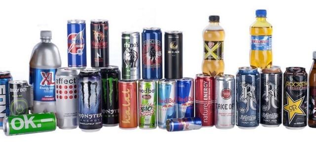 """Energy drinki vs """"spalacze tłuszczu"""" – pojedynek na składy!"""