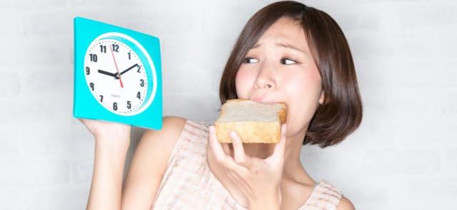 Zgubne konsekwencje późnego śniadania…
