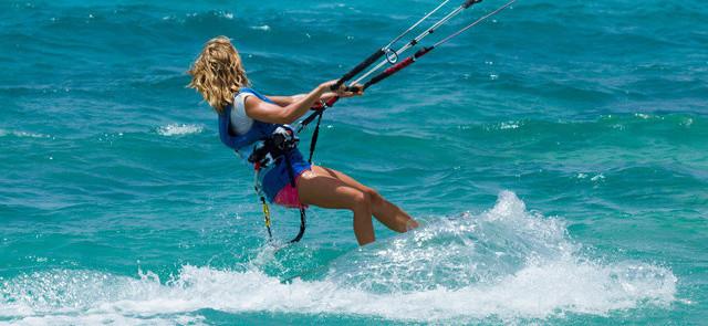 Kitesurfing - co musicie wiedzieć o tym sporcie?