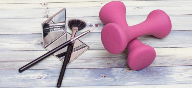 Zbyt mocny makijaż na siłowni