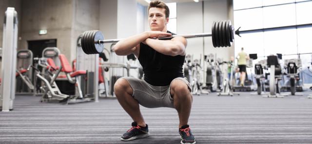 Front squat: przysiad przedni