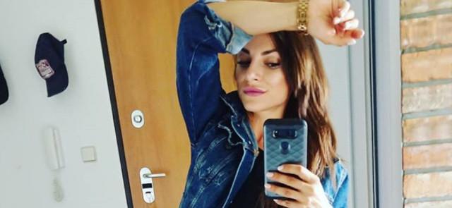 Robienie selfie pogarsza nastrój i postrzeganie ciała? Badanie naukowe