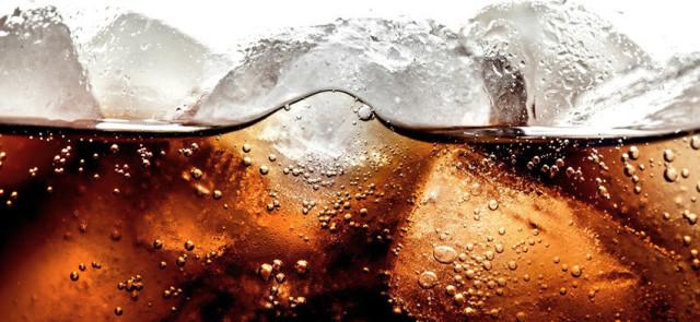 Napoje cola a ich wpływ na kości, układ hormonalny i nowotwory