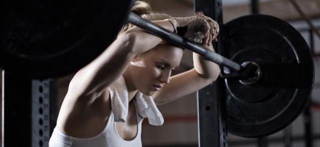 Pięć sprawdzonych sposobów, by doznać kontuzji na siłowni