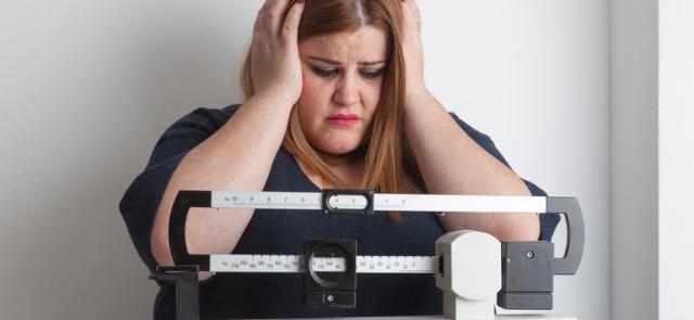 Czy wieczorne podjadanie wiąże się z przyrostem masy ciała?