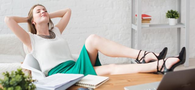 Jak praca biurowa utrudnia odchudzanie?