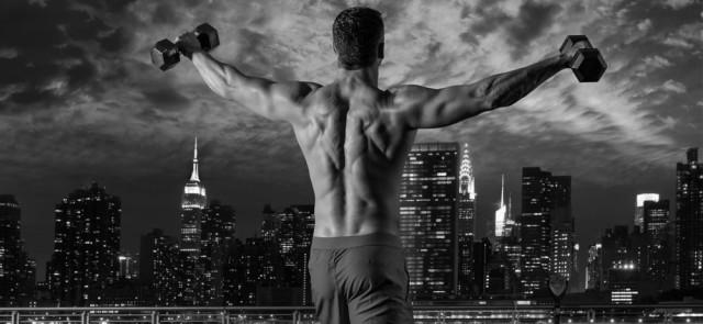 Trening rano czy wieczorem - kiedy lepiej trenować?