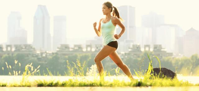 Biegasz rekreacyjnie lub w maratonach, czy potrzebujesz odżywki białowej?