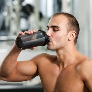 Mity żywieniowe: Mit 15 -Posiłek potreningowy musisz zjeść natychmiast po treningu!