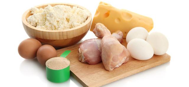 Czy jedzenie większej  ilości białka szkodzi?
