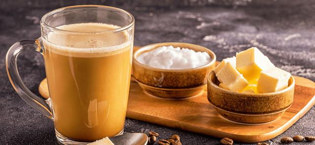 Bulletproof coffee, czyli kuloodporna kawa - z masłem i olejem kokosowym