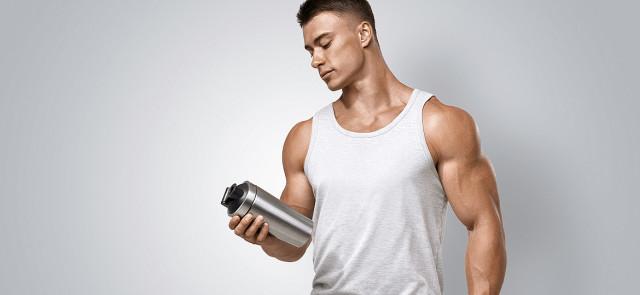 Co ważniejsze po treningu siłowym – białko czy węglowodany?