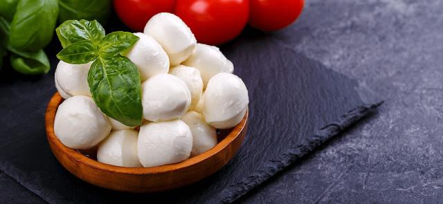 5 powodów, dla których warto jeść mozzarelle