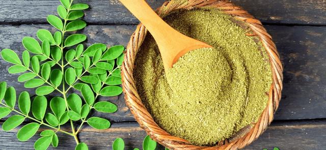 Liście Moringa - cudowny środek na redukcję tłuszczu czy kolejna ściema?