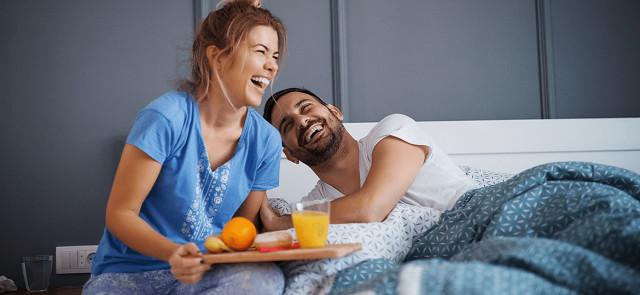 Ile czasu po przebudzeniu należy zjeść pierwszy posiłek?