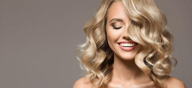 Jak wzmocnić włosy? 8 najlepszych składników dla zdrowych włosów!