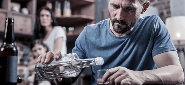 Jaka ilość  alkoholu może zniszczyć wątrobę?