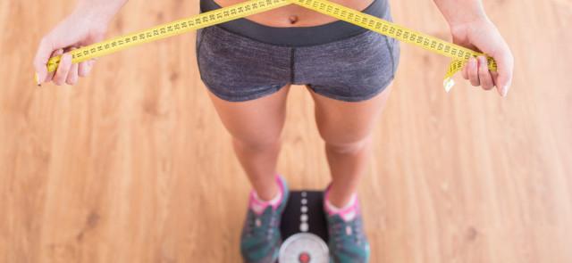 Ile kalorii trzeba spalić, żeby schudnąć 1 kg?