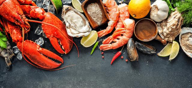 Uwaga na plastik w owocach morza i sardynkach