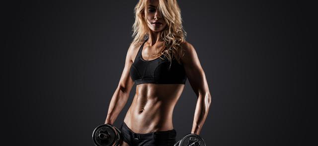 Czy można jednocześnie palić tłuszcz i budować mięśnie?