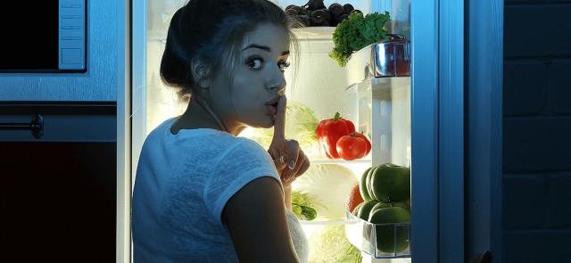 Dwa rodzaje kompensacyjnego odżywiania, przez które tyjemy
