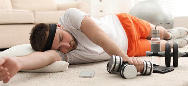 Co robić, kiedy jesteś zmęczony - trenować czy pójść spać?