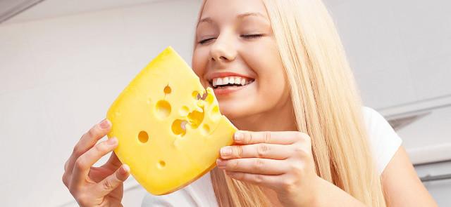 Czy na diecie mogę jeść żółty ser?