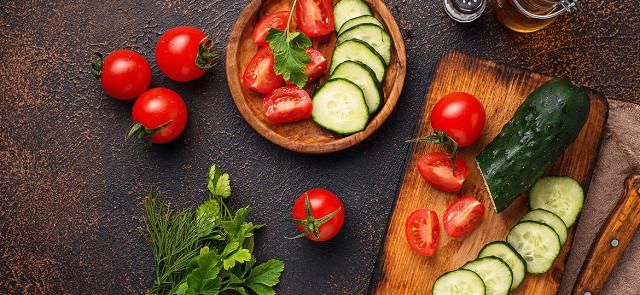 Czy to prawda, że nie można łączyć ogórka z pomidorem?